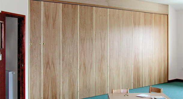 Bon Silencio Acoustic Operable Wall, Compacta PVC Folding Doors, Wood Veneered Folding  Doors, Bi