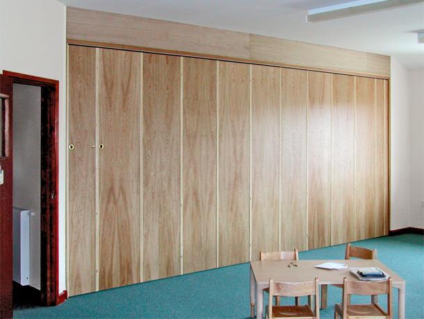 bi fold room dividers folding walls folding sliding partitions pareti