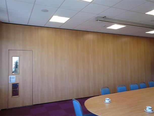 Features & Spazio Folding Doors Folding doors Internal Folding doors Room ...
